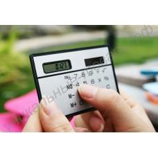 Калькулятор в форме визитной (кредитной) карточки на солнечной батарее